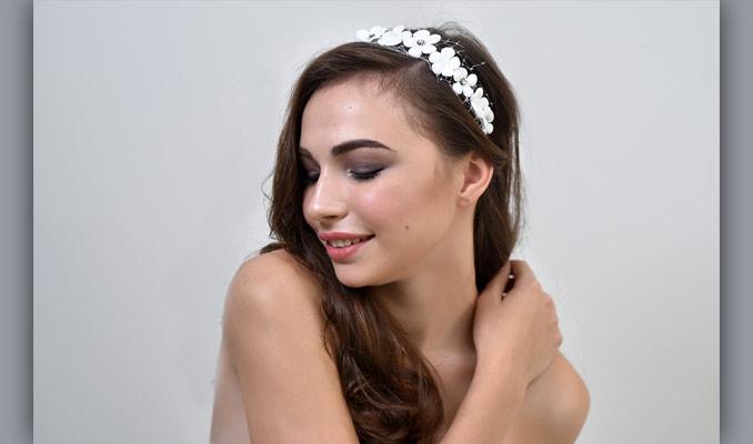 Ярослава Косенко. Обруч «Белые цветы»
