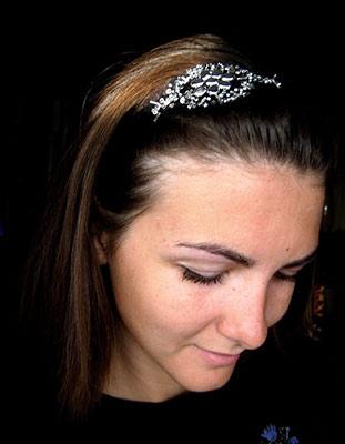 Стильная свадебная повязка на голову для невесты