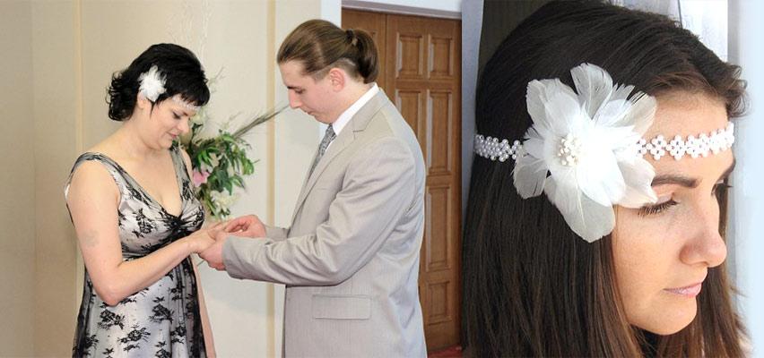 Повязка для волос с цветком из перьев